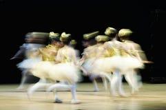 Funcionamiento de la danza popular Imágenes de archivo libres de regalías