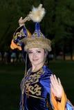 Funcionamiento de la danza popular de las mujeres Imagen de archivo