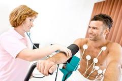 Funcionamiento de la enfermera fotos de archivo libres de regalías