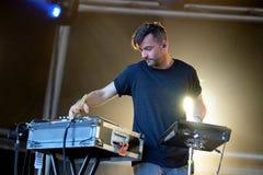 Funcionamiento del Bonobo (músico, productor y DJ) en el festival del sonar Fotografía de archivo