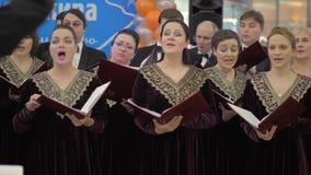 Funcionamiento del coro con el director almacen de video