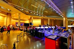 Funcionamiento del coro en la explanada Singapur Imagenes de archivo