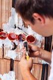 Funcionamiento del electricista Imagen de archivo libre de regalías