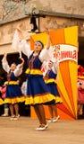 Funcionamiento del grupo de la danza popular en el festival de Maslenitsa en Sortavala (Rusia), 2014 Fotos de archivo libres de regalías