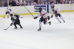 Funcionamiento del hockey sobre hielo Fotos de archivo