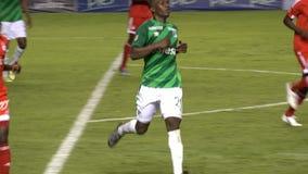 Funcionamiento del jugador de fútbol almacen de video