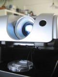 Funcionamiento del proyector de los multimedia Foto de archivo libre de regalías
