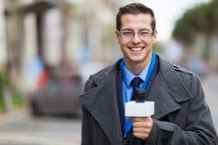 Funcionamiento del reportero de las noticias Imagen de archivo libre de regalías