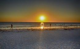 Funcionamiento en la playa Fotos de archivo libres de regalías