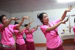 Funcionamiento tailandés de la danza Imágenes de archivo libres de regalías
