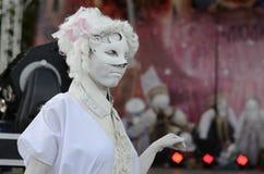 Funcionamiento vivo del estilo de la mascarada de la escultura imagen de archivo libre de regalías