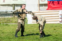 Funcionamientos de la demostración de tropas especiales Foto de archivo libre de regalías