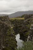 Funcionamientos del río con flujo de lava en Islandia Fotos de archivo
