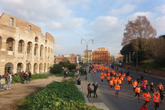 Funcionamos con el mini-maratón de Roma Foto de archivo libre de regalías