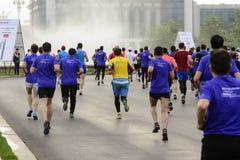 Funcionar con el medio maratón Foto de archivo libre de regalías