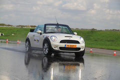 Funcione no teste dos pneus lisos Fotografia de Stock Royalty Free