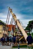 Fundação do Maypole em Murnau, Baviera - 1º de maio de 2018 fotos de stock
