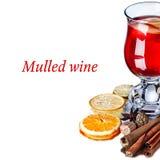 Funderat vin med äpplen Arkivbilder