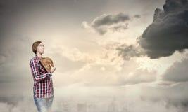 fundersam kvinna Fotografering för Bildbyråer