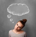 Fundersam kvinna med molnet ovanför hennes huvud royaltyfria foton