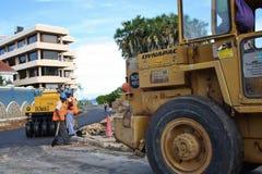 Fundis för vägarbete mombasa Arkivbild