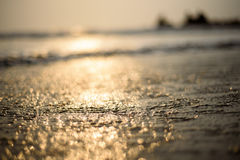 Fundo abstrato do borrão, na praia imagem de stock