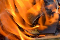 Fundo abstrato do fogo, carvões, chamas e elementos da torção da cinza fotos de stock