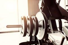 Fundo abstrato do gym da aptidão do borrão fotografia de stock