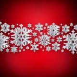 Fundo abstrato do inverno com os flocos de neve de papel no fundo vermelho Eps 10 ilustração stock