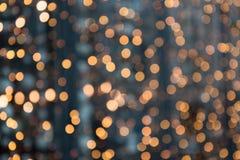 Fundo abstrato do Natal Bokeh dourado borrado do borrão da festão, teste padrão defocused imagem de stock