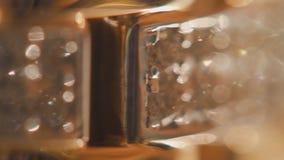 Fundo antigo do bracelete do ouro Fundo abstrato com cintilação dourada Corda dos diamantes no fundo do bracelete Imagem de Stock Royalty Free
