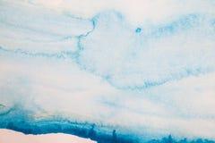Fundo azul abstrato da aguarela fotografia de stock