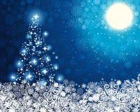 Fundo azul do inverno com árvore de Natal. Imagens de Stock