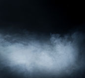Fundo azul profundo do fumo no blac imagem de stock