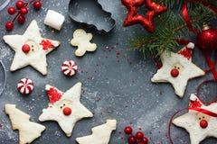 Fundo bonito do cozimento do feriado das cookies do Natal Imagem de Stock Royalty Free