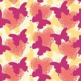 Fundo, borboletas e cora??es sem emenda Fotos de Stock Royalty Free