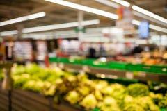 Fundo borrado do supermercado imagens de stock