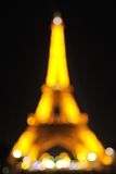 Fundo borrado: Torre Eiffel na noite Foto de Stock