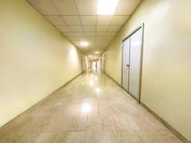 Fundo branco do corredor do hospital fotos de stock