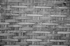 Fundo branco-preto do weave de madeira Fotos de Stock Royalty Free