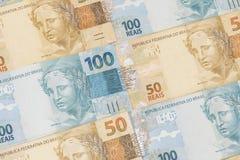 Fundo brasileiro do dinheiro As contas chamaram Real Imagens de Stock
