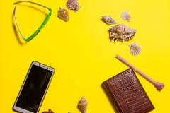 Fundo brilhante amarelo com decora??o n?utica fotos de stock royalty free
