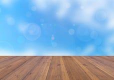 Fundo brilhante da estação do inverno e prancha de madeira da perspectiva Fotografia de Stock Royalty Free