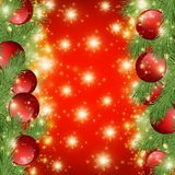 Fundo brilhante vermelho com decorações do Natal, ramos decorativos do abeto vermelho, as estrelas douradas, X-mas alegre do feri ilustração do vetor