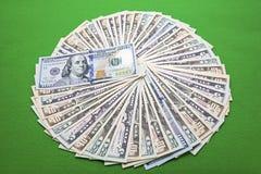 Fundo circular novo do verde da pilha das cédulas dos EUA Fotografia de Stock