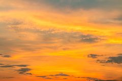 Fundo colorido do céu no crepúsculo Imagens de Stock