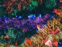 Fundo colorido do Natal Decoração do suporte do ornamento do Natal do close-up na árvore de Natal fotografia de stock royalty free