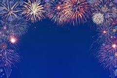 Fundo colorido dos fogos-de-artifício com espaço no meio Fotografia de Stock Royalty Free