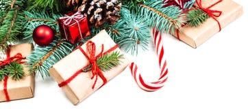 Fundo com cones do pinho, fi das decorações do Natal ou do ano novo Imagem de Stock Royalty Free
