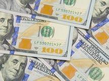 Fundo com notas de d?lar do americano cem do dinheiro Imagens de Stock